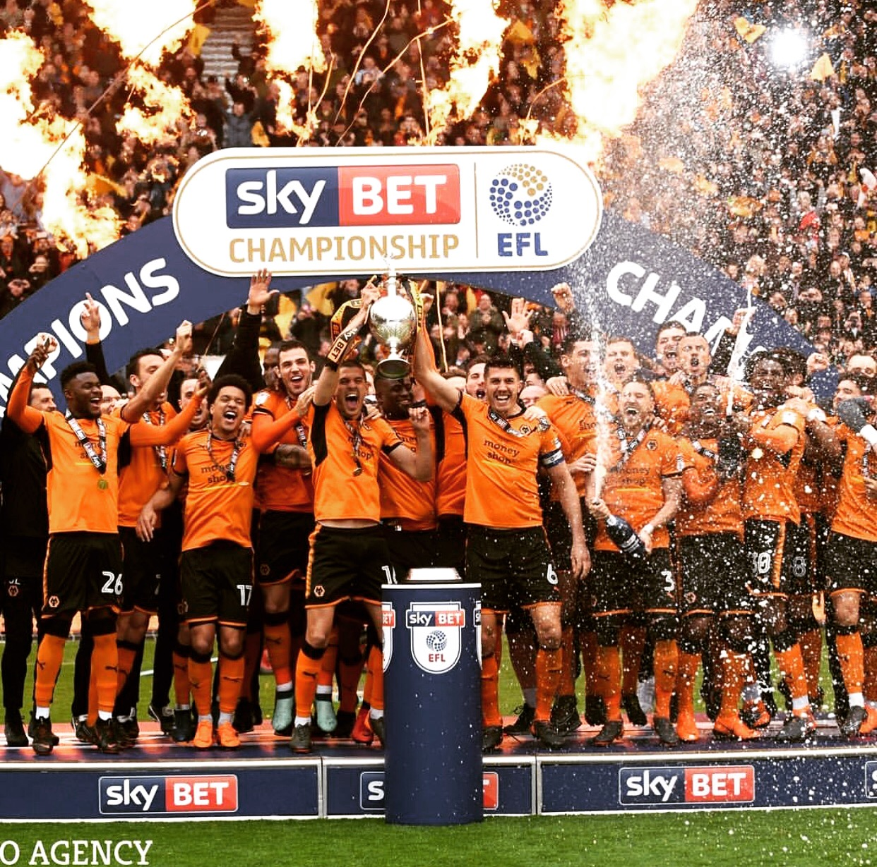 Wolves crowned EFL Championship champions! | World In Motion